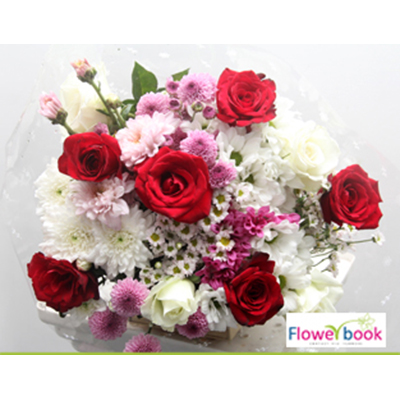 05 Red and White Roses Bunch RM017 large 1