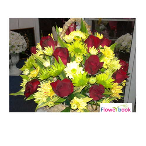 15 Red Roses with Yellow Chrysanthemum Arrangement RM015 large 1