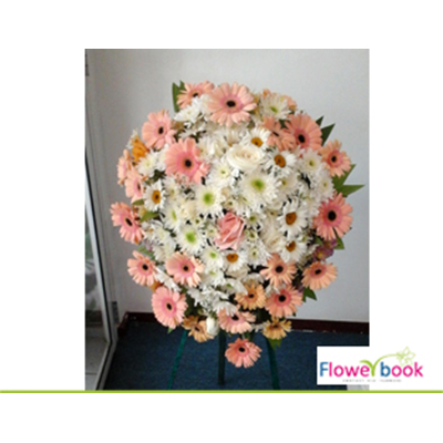 Peach gerberas and daisy with chrysanthimum flower wreath SM0014 large 1