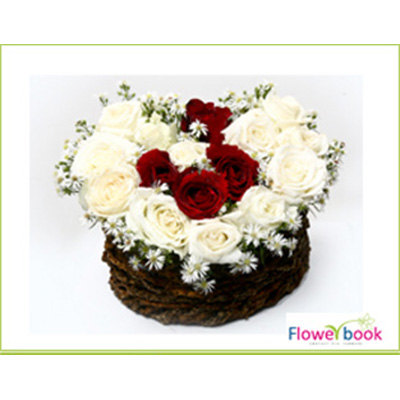 White roses 15 nos and red roses 05 flower arrangement SM003 large 1