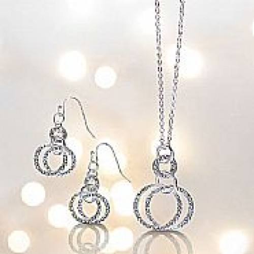 Jeslyn Necklace and Earrings Gift Set Avon 166 large 1