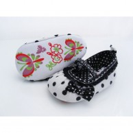 Cotton Cloth Butterfly Embroiderd Sole Girls Shoes
