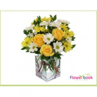 10 Yellow Roses and Chryshanthimum Flower arrangement AN007