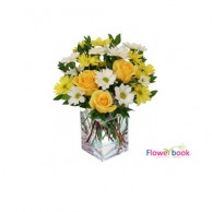 10 Yellow Roses and Chryshanthimum Flower Arrangement AN012