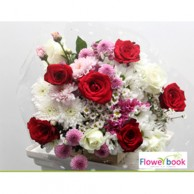 Red and White Roses Flower Bunch AN015