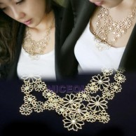 Rhinestone Fashion Gold Pierced Flower Necklace
